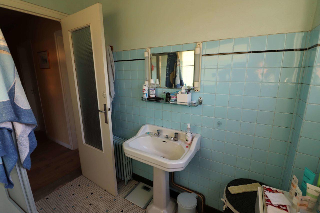salle de bains - lavabo ancien